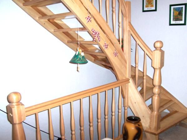 tischlerei vatteroth treppe 1 2 gewendelt. Black Bedroom Furniture Sets. Home Design Ideas