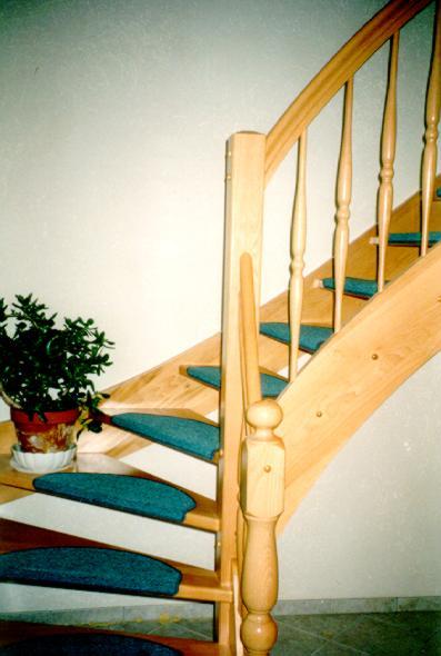 tischlerei vatteroth holztreppe 1 4 gewendelt. Black Bedroom Furniture Sets. Home Design Ideas